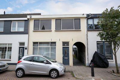 Middelharnissestraat 16, Schiedam