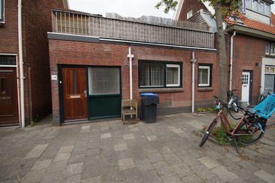 Van der Waalsstraat, Leiden