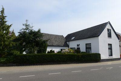 Rijksstraatweg 257, Beek