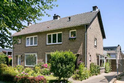 Vermeerstraat 27, Geleen