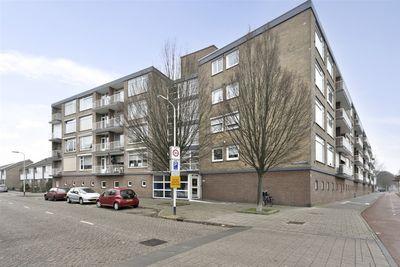 Pastoor van Akenstraat 36, Roosendaal