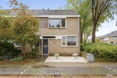Basielhof 28, Oosterhout