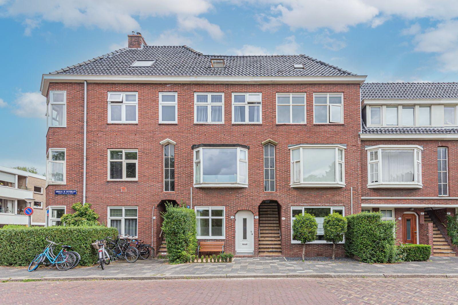 Admiraal de Ruyterlaan 36, Groningen