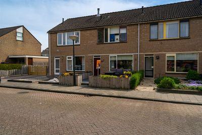 Molenhof 30, Wijk En Aalburg