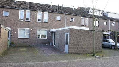 Roodborststraat 8, Duiven