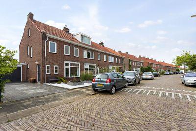 Heuvellaan 50, Roosendaal