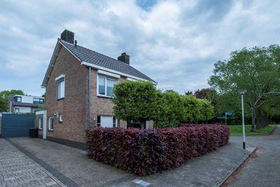 Hadewychlaan 11, Roosendaal