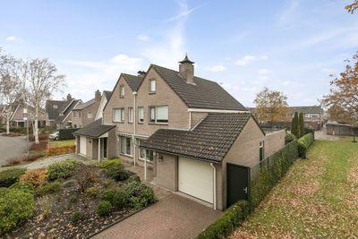 Smaragddijk 37, Roosendaal
