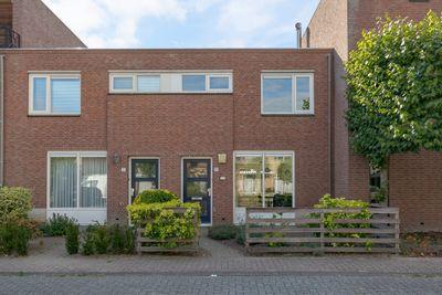 Naardenstraat 15, Tilburg