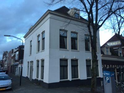 Sluisweg 82, Dordrecht