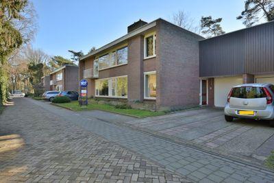 Vermeerstraat 9, Son en Breugel