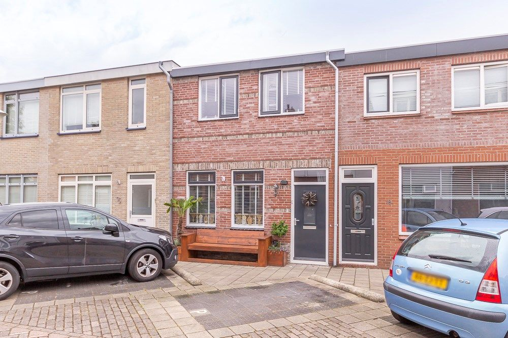 Van Limburg Stirumstraat 17, Den Helder