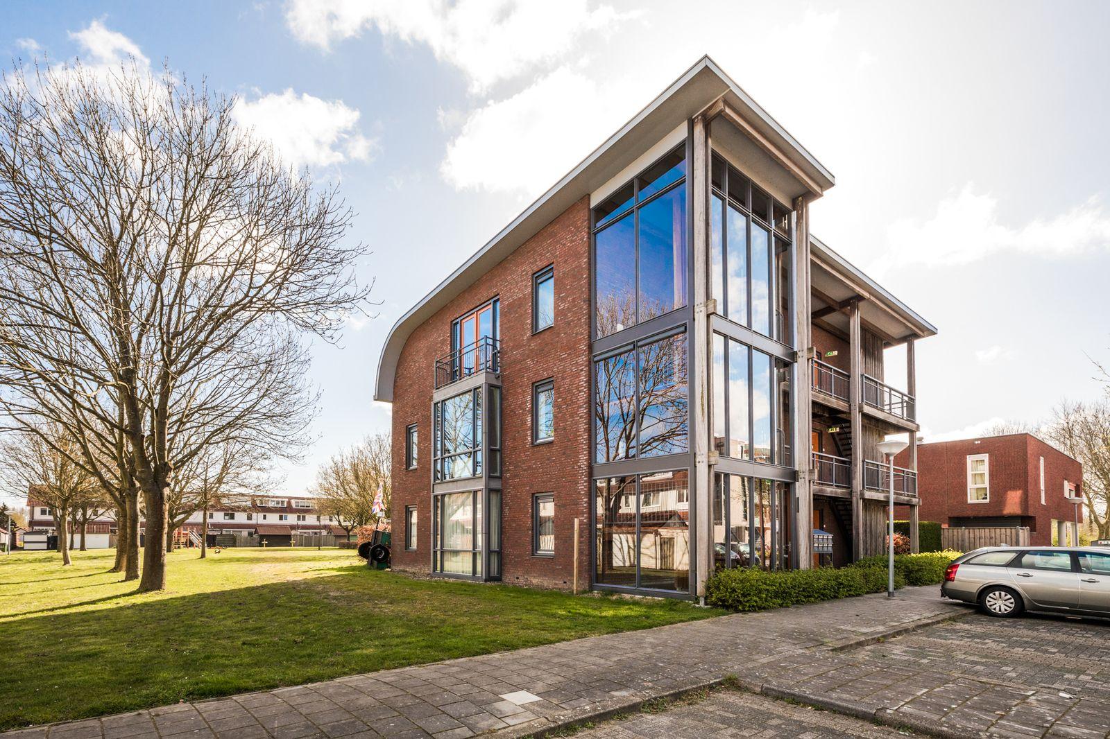 Walvisplein 98, Almere