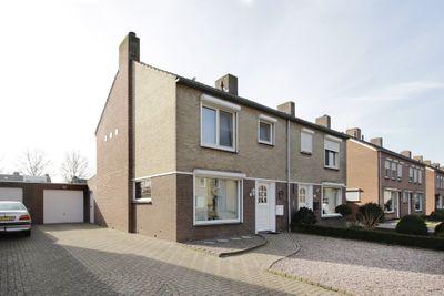 Bertiliastraat 18, Weert