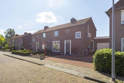 Beatrixstraat 11, Groenlo