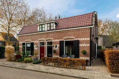 Prins Bernhardweg 19, Houten