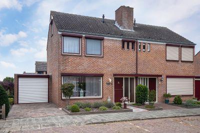 Mr. A. Roeststraat 9, Groede