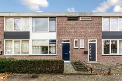 Scheldestraat 28, Budel
