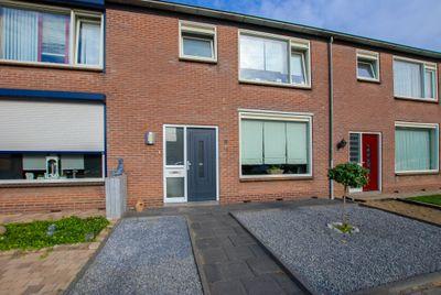 P C Hooftstraat 8, Hulst