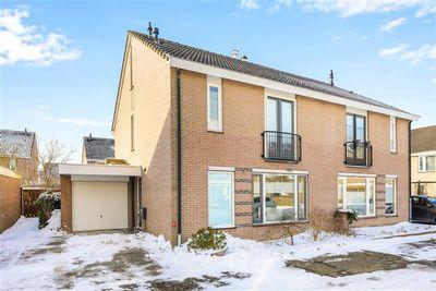 Nijvergouw 42, Almere