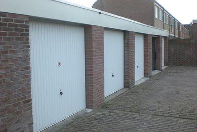 Populierenstraat, Sint Jansteen