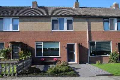 Meester de Vriesstraat 15, Witmarsum