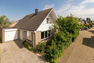 Jacoba van Beyerenlaan 22, Hazerswoude-dorp
