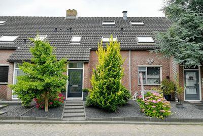 Kloet 3, Hardinxveld-Giessendam