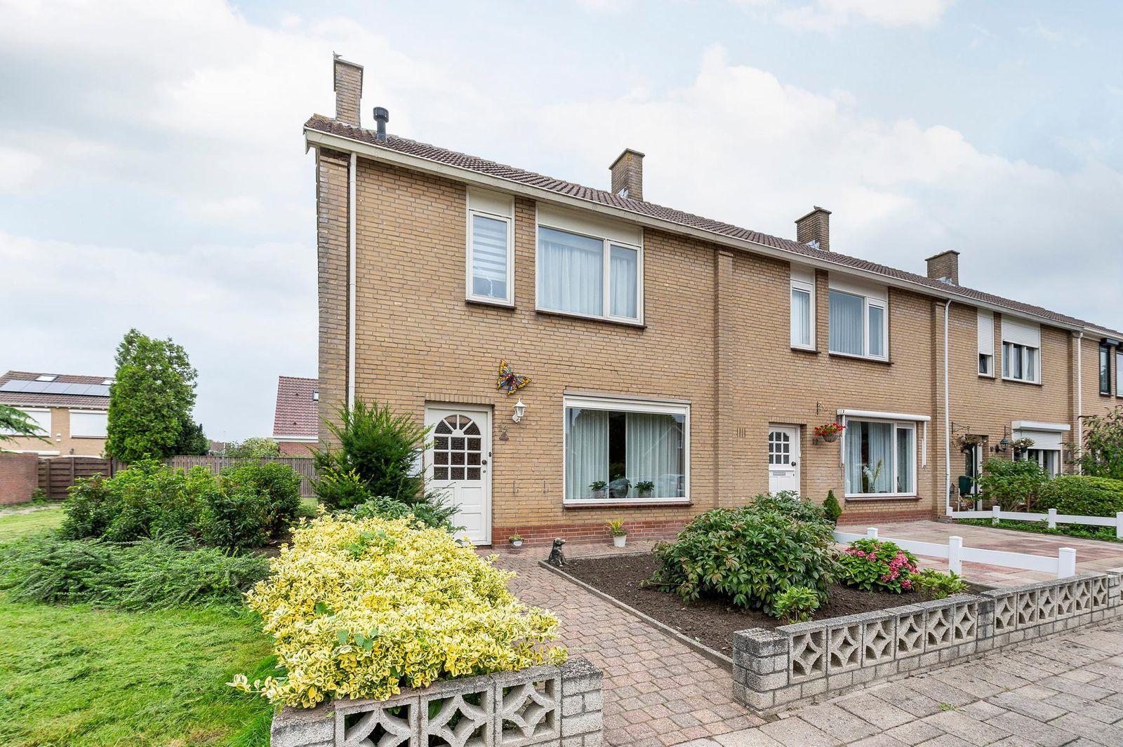 Pr. Willem-Alexanderstraat 14, Oud-vossemeer
