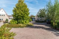 Meertenshof 8, Maurik