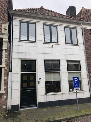 West, Hoorn