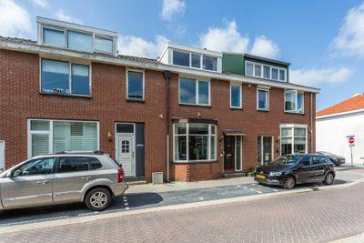 Veeringstraat 11, Zaandam