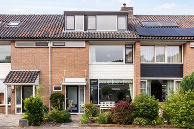 Landweg 48*, Leusden