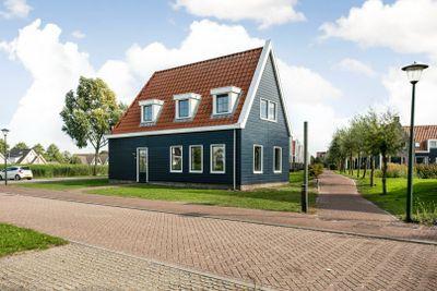 De Krom 262, Volendam