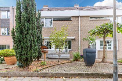 Dotterbeek 27, Veldhoven