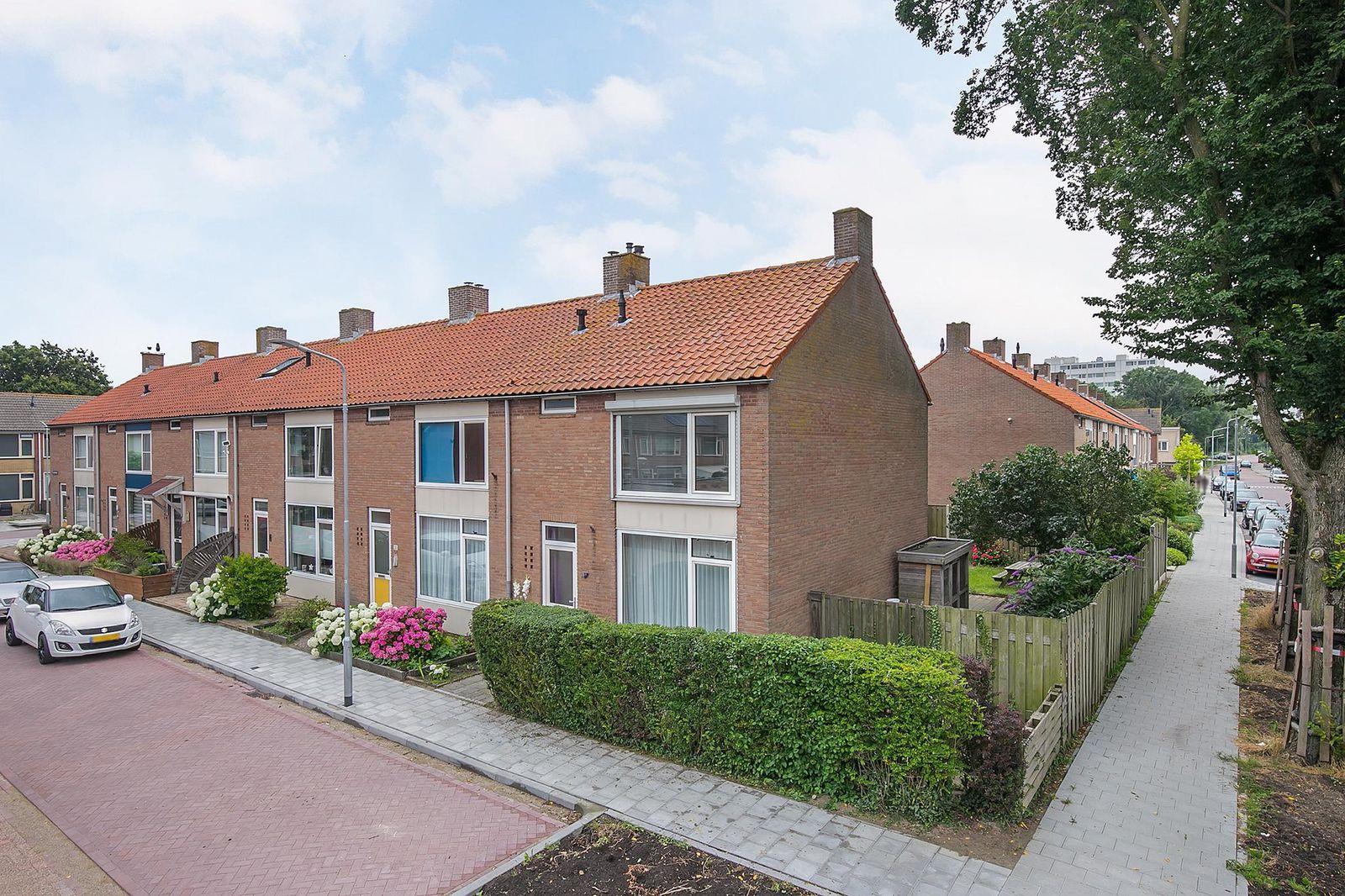 Platanenstraat 35, Oost-souburg
