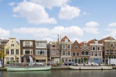 Apothekersdijk 8, Leiden