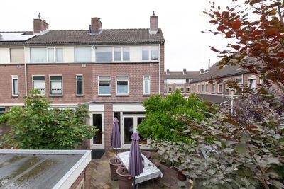 Avenbeeck 64, Hillegom