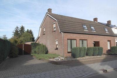 Dwarsstraat 7, Budel-Schoot