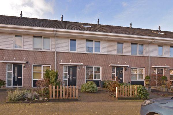 Bachlaan 24, Nieuw-Vennep