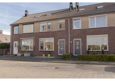 Van Leijdenstraat 40, Hardinxveld-Giessendam
