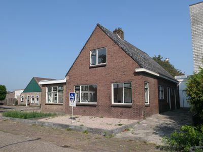 De Vos van Steenwijklaan 1, Hoogeveen