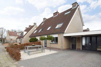Elzenhof 2, Renswoude