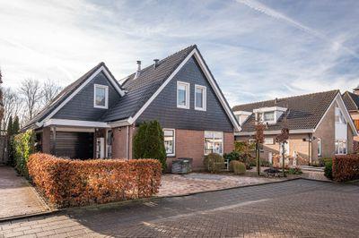 Klampenmeet 9, Sommelsdijk