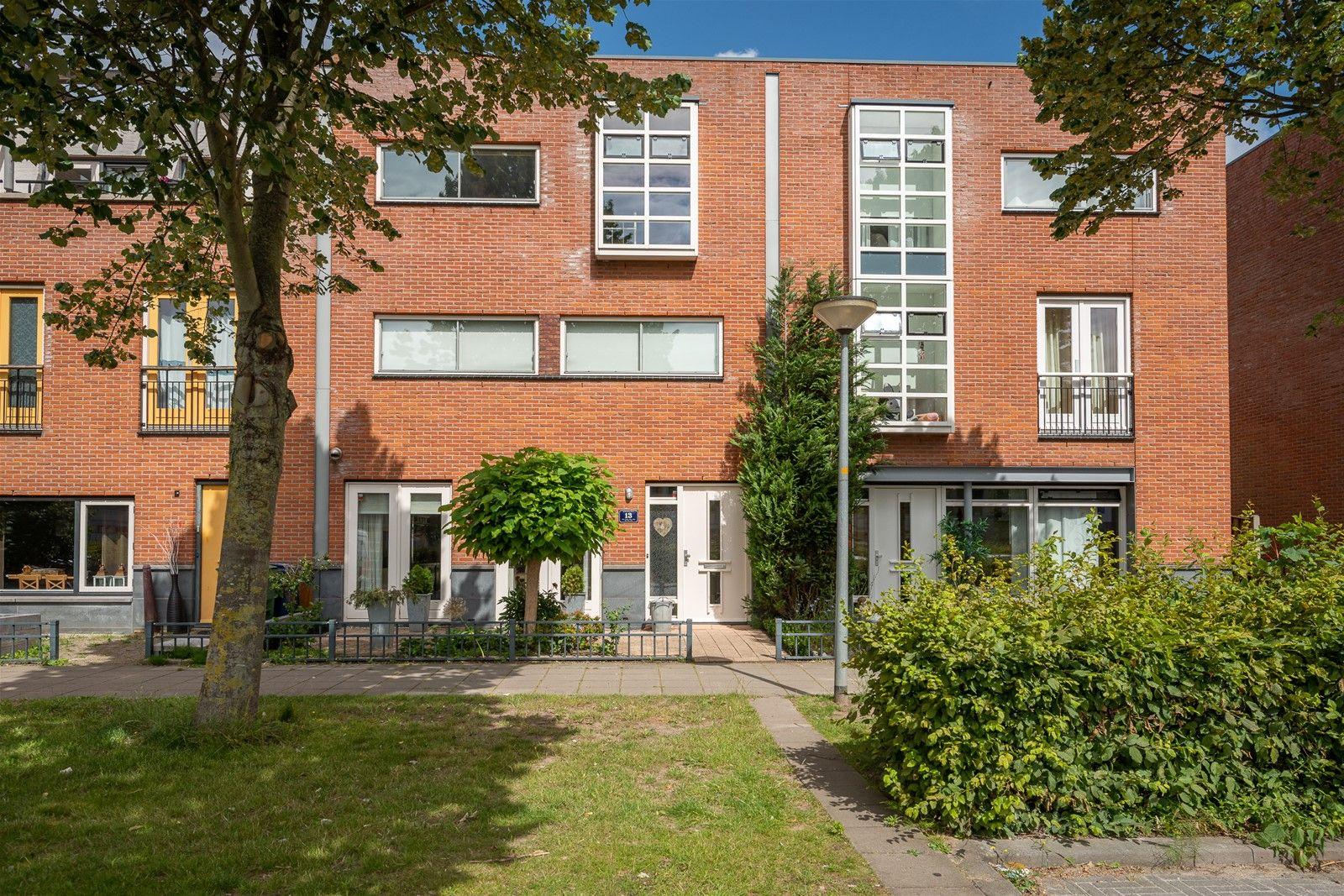 Chagallweg 13, Almere