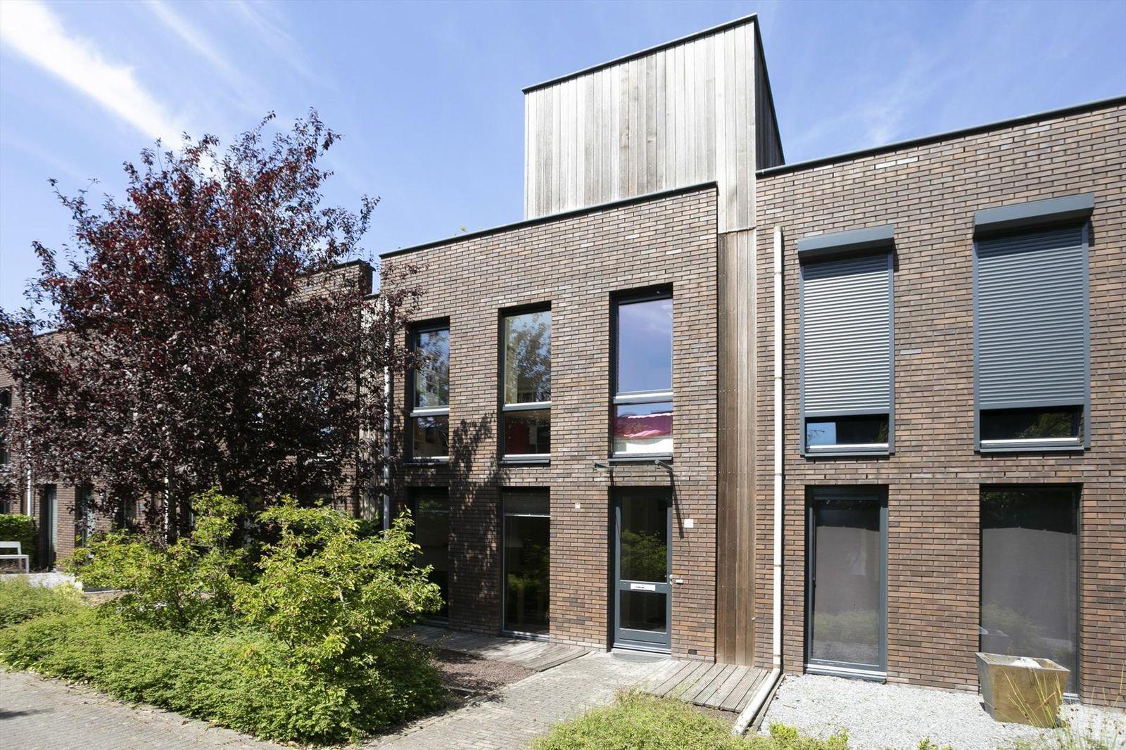 Wolvegastraat 12, Tilburg