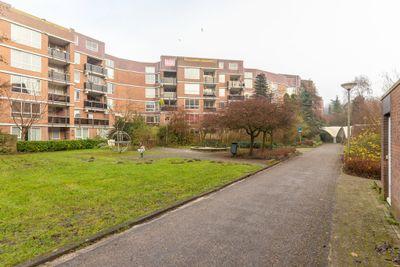 Leusdenhof 335, Amsterdam