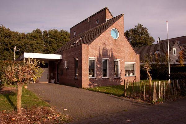 Stelle 4, Nieuwehorne