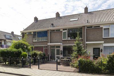 Professor Hugo de Vriesstraat 4, Zaandam
