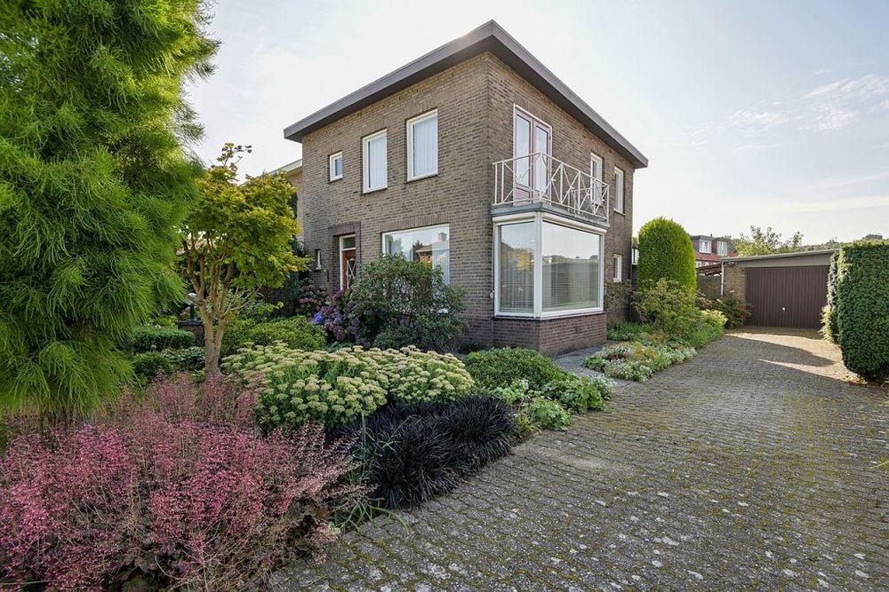 Vermeerstraat 9, Geleen
